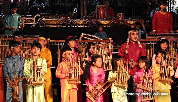 Angklung Performance