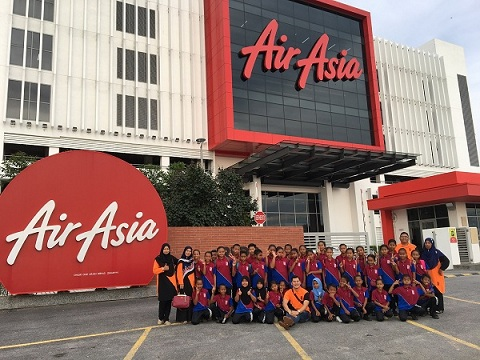 AirAsia realises the flying dreams of Orang Asli students