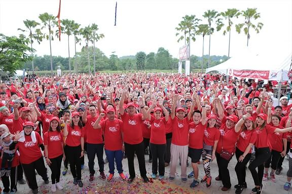 airasia-wpua-fun-run-takes-the-streets-in-kota-kinabalu