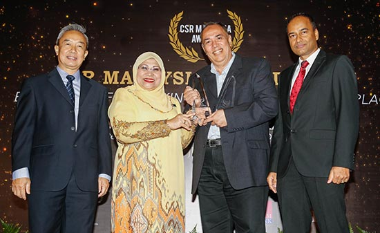 AirAsia and AirAsia X win top CSR Awards