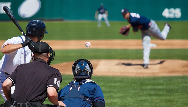 การแข่งขันเบสบอลที่สนามโคชิเอ็ง National High School Championship