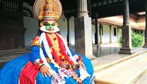 Book cheapest flights to Kochi and visit Kerala Kathakali Centre