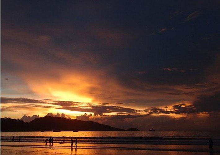 普吉岛芭东海滩