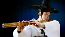Book flights online to Seoul and experience their culture
