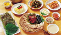 Travel to Seoul with cheapest airfare and enjoy Korean food