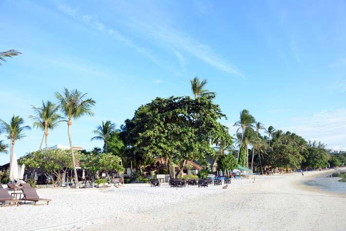 素叻他尼湄南海滩