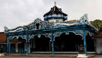 Book flights online to Solo and visit Keraton Kasunanan Surakarta